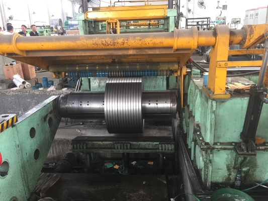 Cina 2B 1D Permukaan Hot Cold Rolled Lembar Stainless Steel Coil Slit Strip AISI 410 EN 1.4006 pemasok