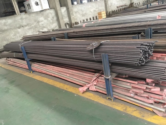 Cina DIN 1.4521 / AISI 444 Hot Rolled Stainless Steel Round Bar / Batang Kawat pemasok