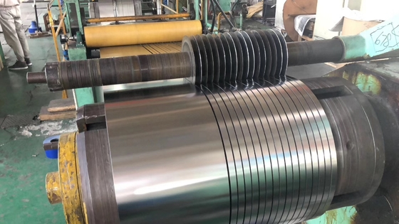 Cina 1.4016 (430) / 1.4512 (409) / 1.4000 (410S) / 1.4521 (444) Stainless Steel Coil Strip Sempit pemasok
